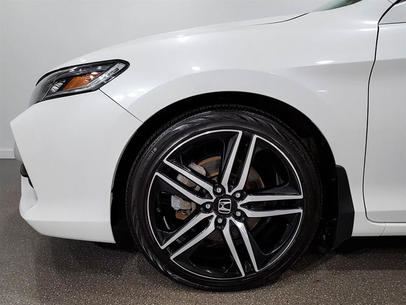 Pre-Owned 2016 Honda Accord Coupe Accord