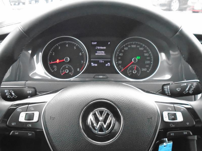 Pre-Owned 2018 Volkswagen Golf Golf