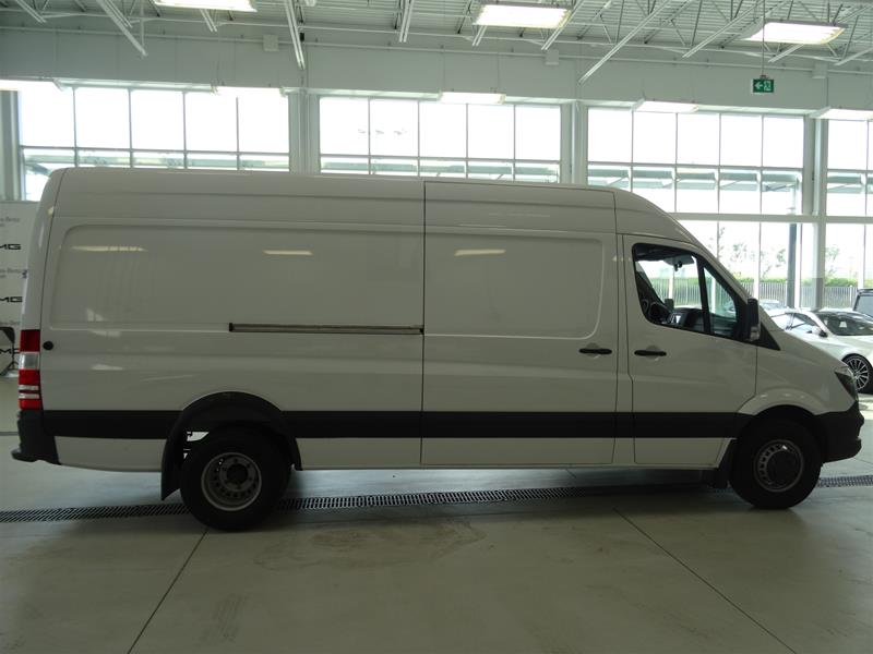 New 2017 mercedes benz sprinter 3500 cargo sprinter v6 for Mercedes benz sprinter canada