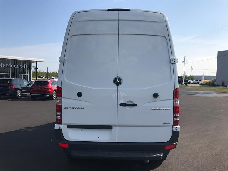 New 2016 mercedes benz sprinter 3500 cargo sprinter 4x4 for Mercedes benz sprinter canada