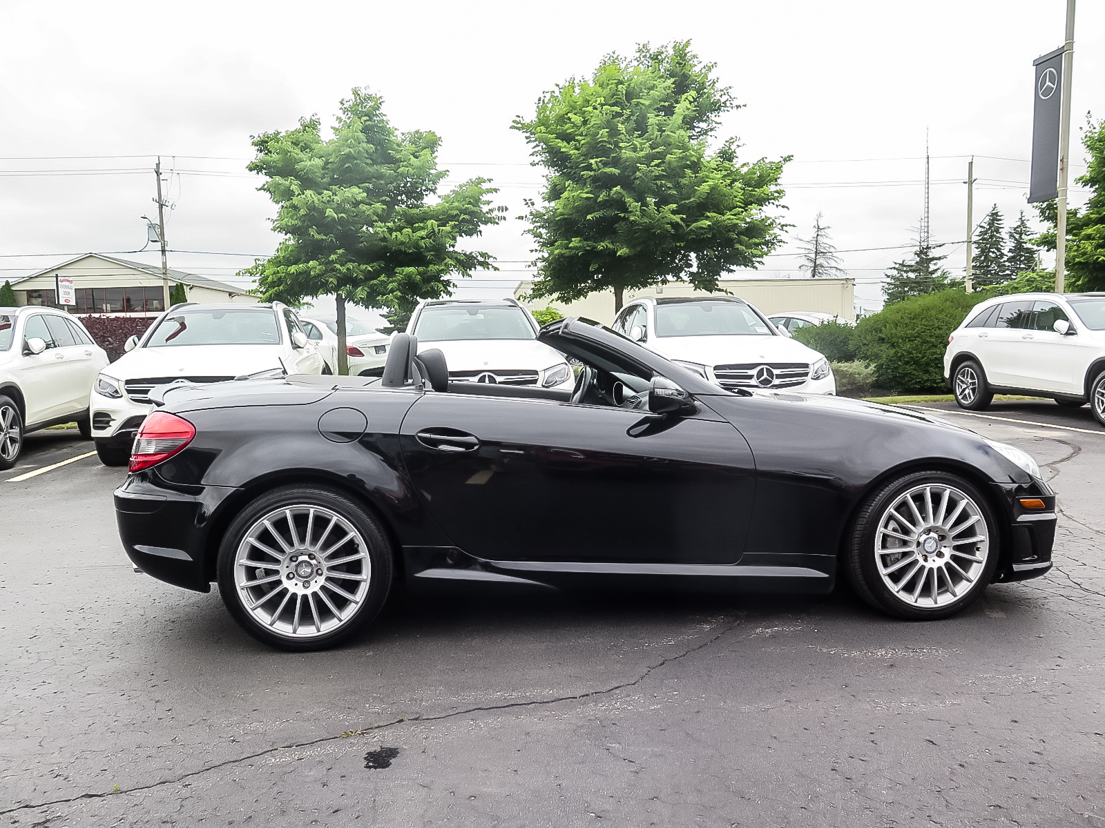 Pre-Owned 2011 Mercedes-Benz SLK SLK350