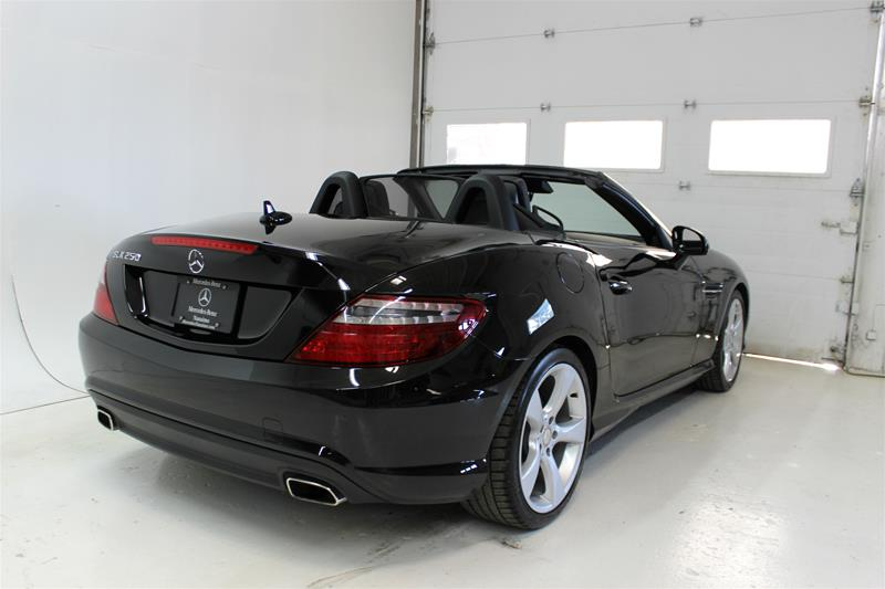 Pre-Owned 2014 Mercedes-Benz SLK SLK250