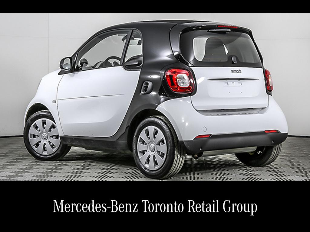 Certified Pre-Owned 2017 smart fortwo coupe fortwo