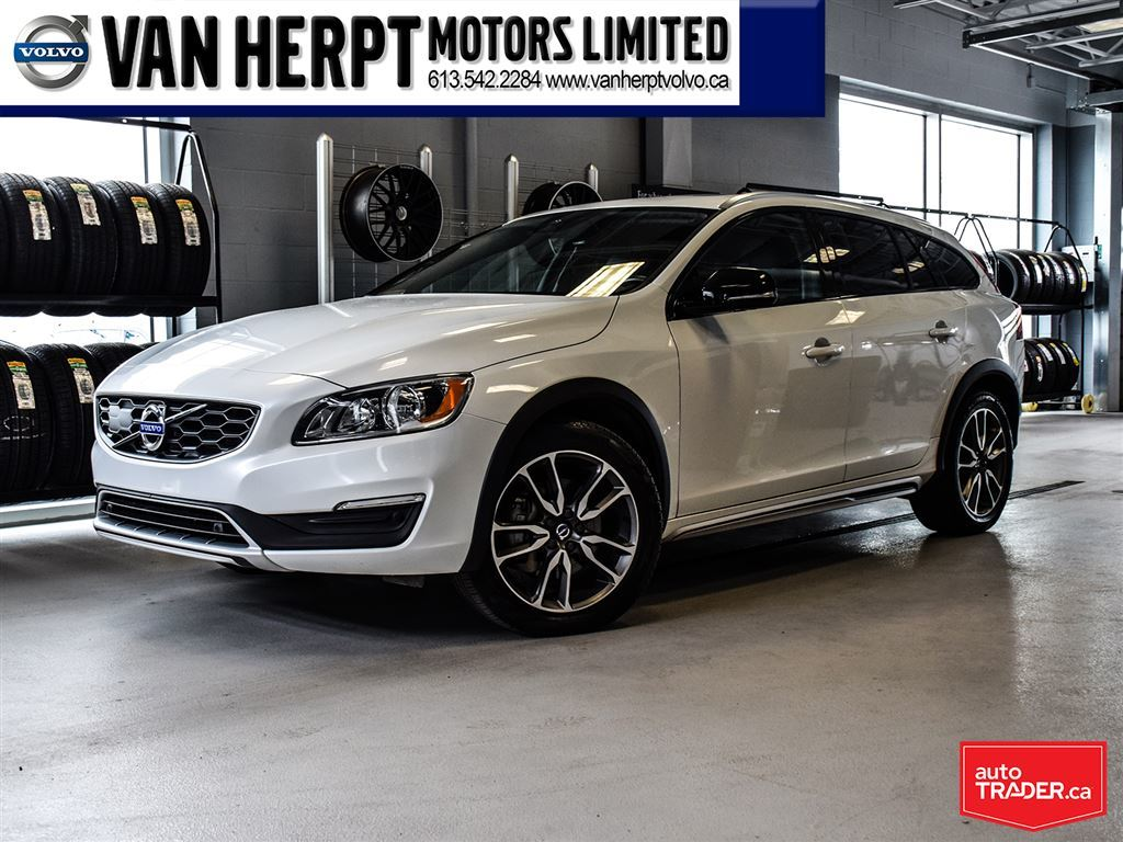 Pre Owned 2017 Volvo V60 Cross Country