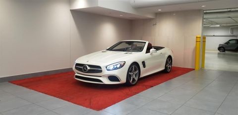 Pre-Owned 2017 Mercedes-Benz SL-CLASS SL450